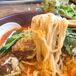 石どら - カルビラーメン麺リフト