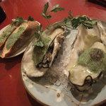 7783338 - 牡蠣のブルギニョンバター焼きとガーリックトースト