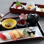 美佳寿司 - 料理写真:美佳ランチ (¥1580) 月曜日~土曜日 11時~14時 定休日、祝日除く