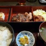 酉文 - 炭焼き鶏もも肉定食