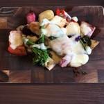 77832266 - 鎌倉野菜とチキンのラクレット