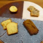 アシェットデセール 未完 - 焼き菓子