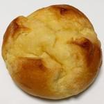 アピカル - 料理写真:メープルパン(140円)