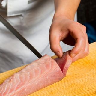 新鮮な旬のお魚で彩るお造り