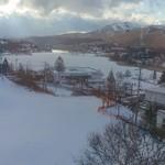 77835586 - 白樺湖は表面は凍って雪に覆われてます。