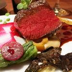 77836259 - 蝦夷鹿のロースト 赤ワインのソース
