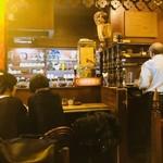 珈琲専門店 TOM  - 年季の入った店内は風格すら感じる!