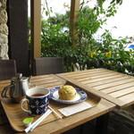 ブルーカフェ石垣島 - テラス席でいただきました♪