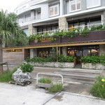 ブルーカフェ石垣島 - 海側のテラス席