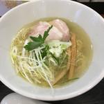 麺や 阿吽 - 鶏塩麺(細ストレート麺)