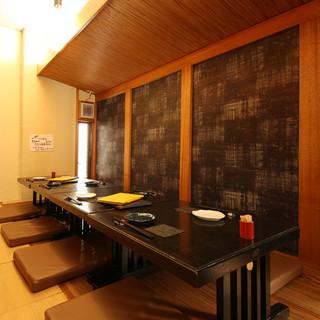 【落ち着いた和の空間】お座敷・テーブル・カウンター各席ご用意