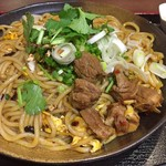 李湘潭 湘菜館 - 炒めビーフン(大盛り) + 牛筋(アップ)