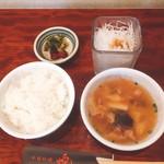 煌・中国料理 - セットのごはん、スープ、サラダ(^^)