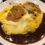 77848338 - 玉子よせスパ(手作りとんかつ・たまご・MIXベジ) ピリッと辛く野菜の旨みたっぷりのあんかけソースに卵のまろやかさが絡んで誰にも食べやすい味になっている◎熱々のかつとあんかけソース、ふわふわ卵が三位一体となった味わいは最高っ!! 2017/12/09