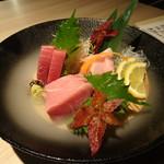 温炊き さんずい - 本鮪(赤身、中トロ、大トロ)(1,328円)