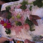スナック メイプル - 鯛の刺身が振舞われました