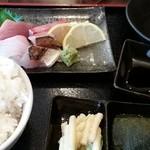 新鮮居酒屋 かずき - ランチ、これにプラス天ぷらで850円