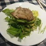 肉ビストロTONO - ローストポークとルッコラのサラダ取分