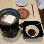 伊勢神泉 - 料理写真:温泉湯豆腐