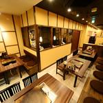 名古屋もつ焼き ひとすじ - 2~5名様テーブル4卓 2~5名様×4卓。結合可能20名様まで各種ご宴会が可能です!!