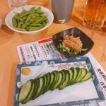 松ちゃん - 上から枝豆(390円)、梅水晶(490円)、きゅうり一本漬け(390円)