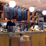 OGAWA COFFEE  - 店内風景(厨房カウンター)。