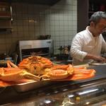 う越貞 - 貞さんと間人の蟹(1.6kg)