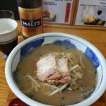丹頂 - 料理写真:つるらーめん&サントリーモルツ(中瓶)2017.12.10