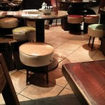 青龍門 - テーブル席