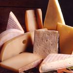 ステーキ&チーズバル Gottie'sBEEF - チーズ
