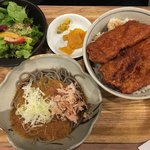 ふくい軒 - ランチ友のカツ丼とミニおろしそばセット@980円。こちらの方が100円安い不思議