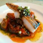 ラビチュード - 北海道魚真タラのロースト 黒オリーブ・アンチョビ・バジルのソース