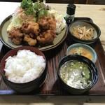 小島家 - 料理写真:唐揚げ定食