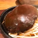 1ポンドのステーキハンバーグ タケル -