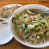 大榛 - 料理写真:タンメン(しょうゆ味)と焼ギョーザ