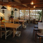 ゆうき茶屋 - 店内で食べることも出来ます。