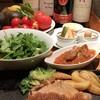 荻窪 Kotoji - 料理写真:にんにくソース、黒酢を使ったお料理が特徴です。