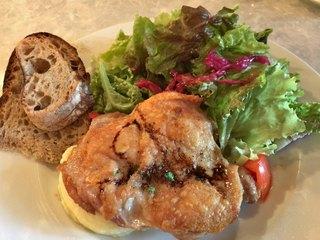 ユリイカ - ★★★☆ 鶏もものソテー 皮はパリパリ、お肉プリプリ 結構ボリューミィ