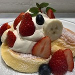 FLIPPER'S - ★★★ 季節のフレッシュフルーツパンケーキ