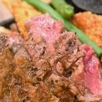 ニクバルダカラ - 牛ロースステーキ&大粒カキフライコンボ