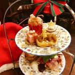 ティーサロンジークレフ - 12月なのでプレゼントやトナカイなどクリスマスぽいプレートに♪