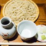 手打ち蕎麦 山がた - ざるそば:756円/2017年12月