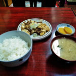 丸長食堂 - 肉豆腐定食