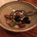 厨房酒場 カモメセラー - コレ!美味しい!!売り切れてたけど、塩茹で豆。(サービスなのでちょこっと)