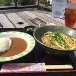 ヤマバレ牧場 ポーザーおばさんの食卓 - ソーキそば&カレーライス
