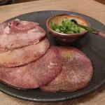 堂山 焼肉寿司 - ネギ塩牛タン