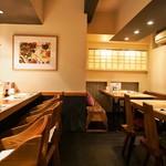 本等鮨 海馬 - 店内(カウンター席①、テーブル席)