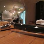munakata cuisine ishida - ラギオールとワインと水とその奥にマダム
