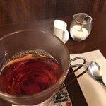 メッツゲライ ササキ - ★★★☆ 香りの良い紅茶 ミルクも紅茶も熱々で嬉しい心遣い