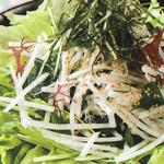 お好み焼き 道とん堀 - 大根サラダ